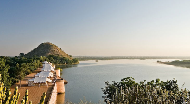 Honeymoon in Rajasthan - Chhatra Sagar, the tent camp on a dam
